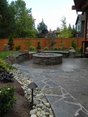 Sammamsih, WA Stamped concrete with stone border