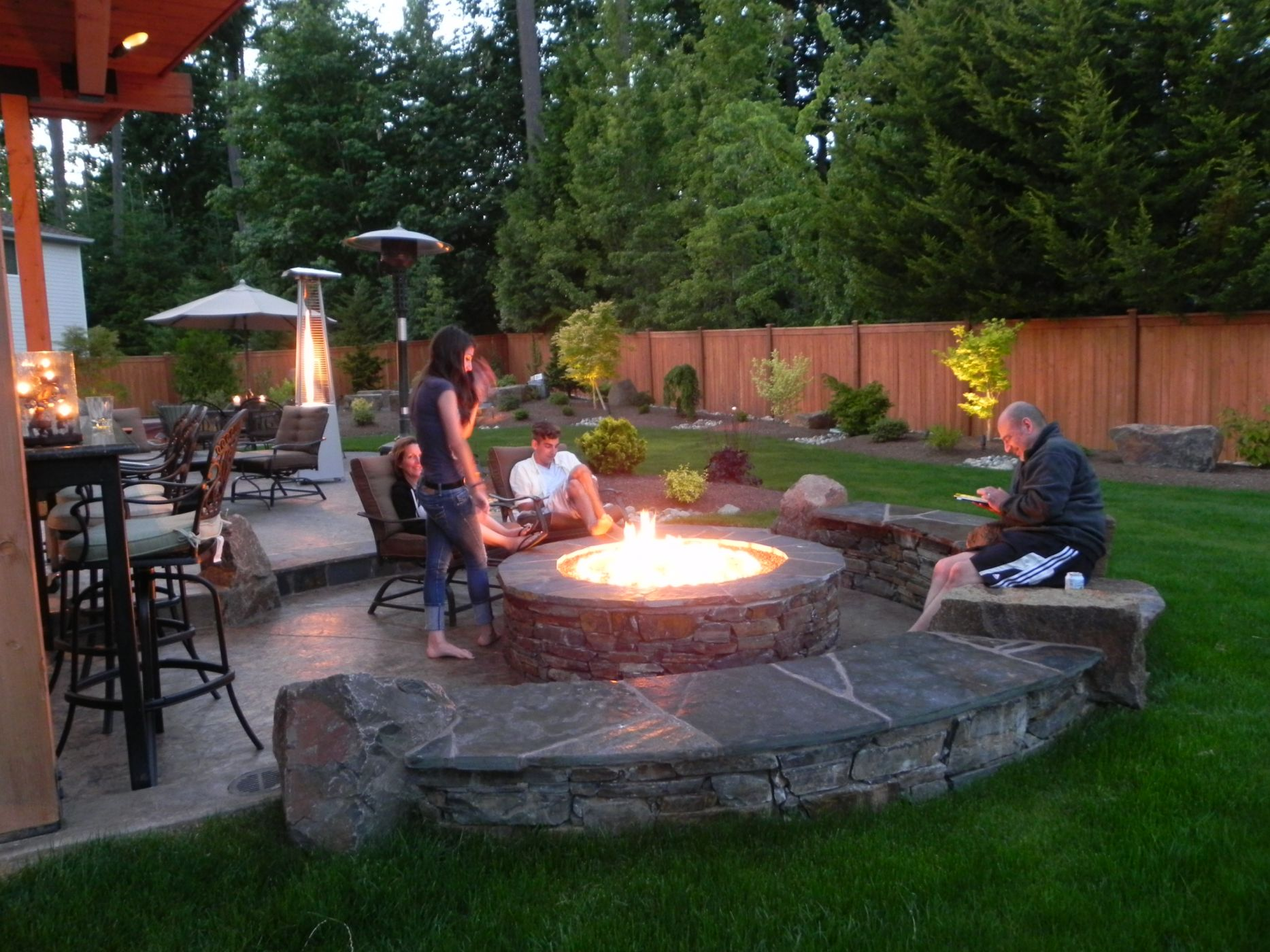 fireplace or fire pit - Garden Design Trends 2014