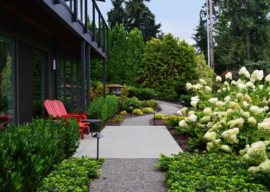 Medina Crushed Gravel Walkway with Concrete Patio and Hydrangeas by Sublime Garden Design (800x570)