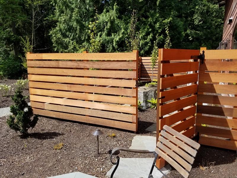 Redmond Horizontal Cedar Fence with Gate by Sublime Garden Design (800x600)